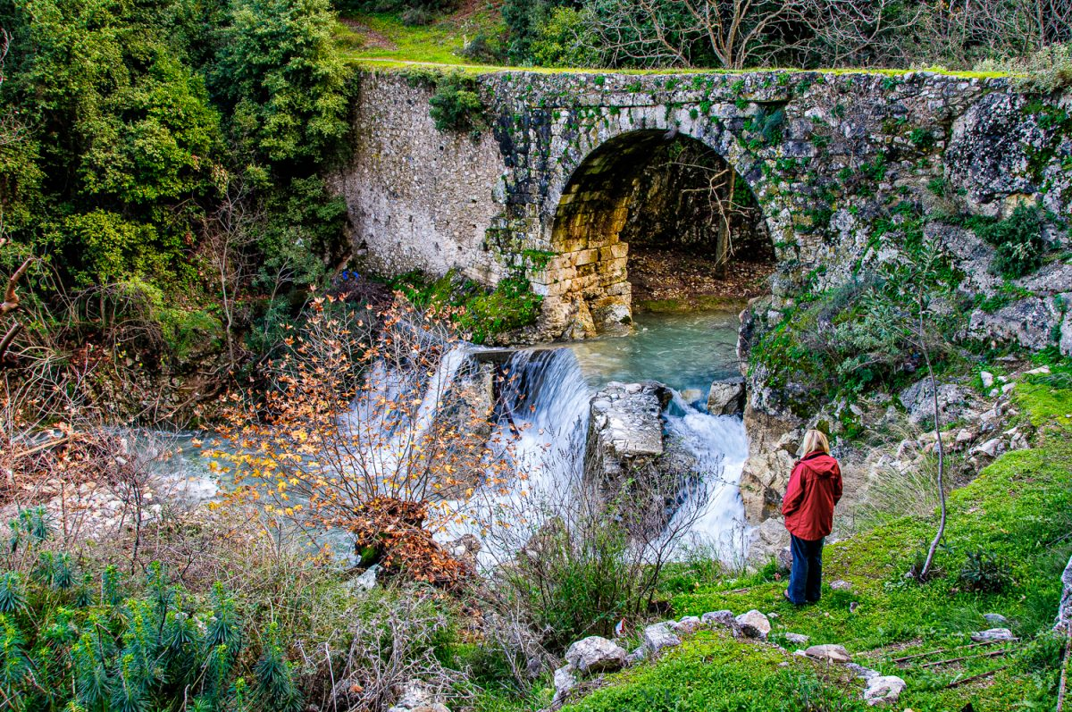 Ancient bridge Xirokambi